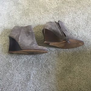 Halogen gray wedge booties sz 6